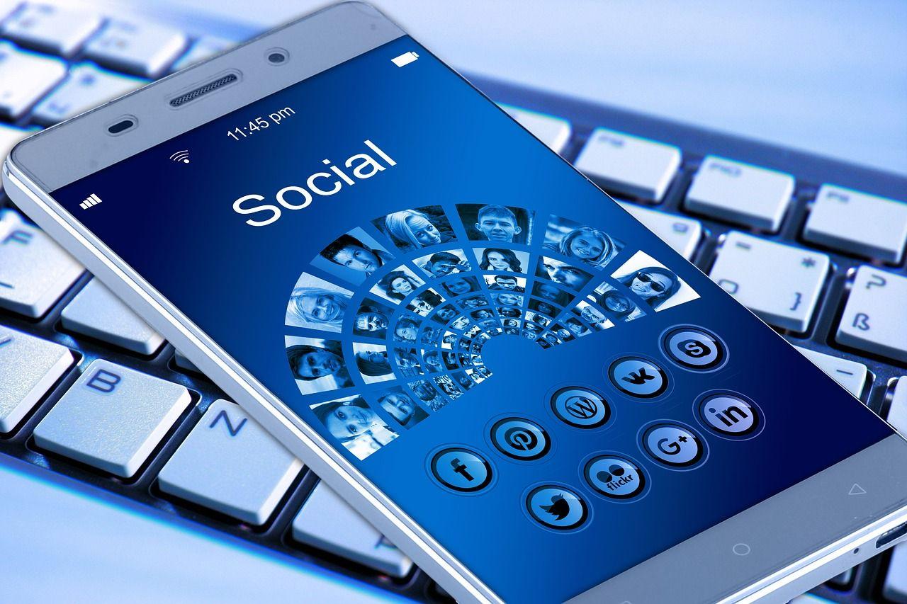 mobile phone 1917737 1280 - NUESTROS SERVICIOS