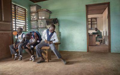 Niños esclavos. La puerta de atrás