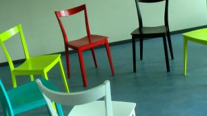 chairs 58475 640 300x168 - chairs-58475_640