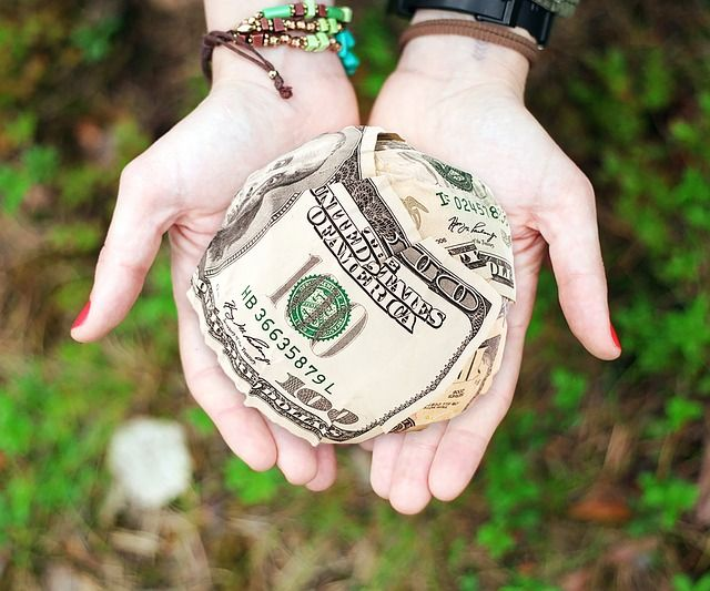 ¿HAY QUE DECLARAR DONATIVOS SI ERES UNA ASOCIACIÓN?
