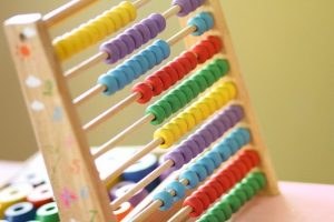 abacus 1866497 640 300x200 - abacus-1866497_640